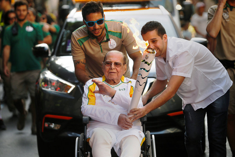 Dr. Ivo Pitanguy, Originator of The Brazilian Butt Lift, Dies in Rio at Age 93.